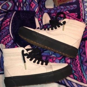 Vans all weather MTE platform